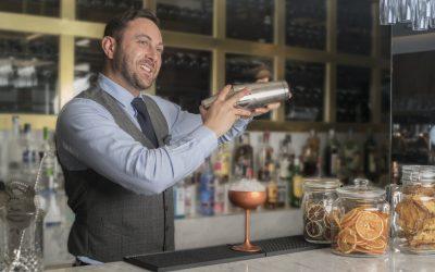 Javier Herencia, un bartender muy de Serrano